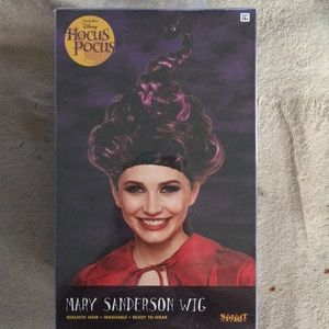 BNIB MARY Sanderson adult wig